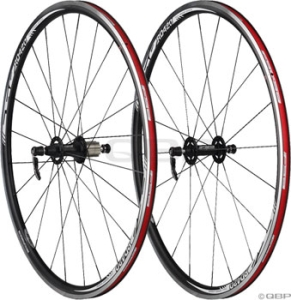 FSA RD420 700c Wheelset 20/24 Shimano Black FSA RD420 700c Wheelset 20/24 Shimano Black